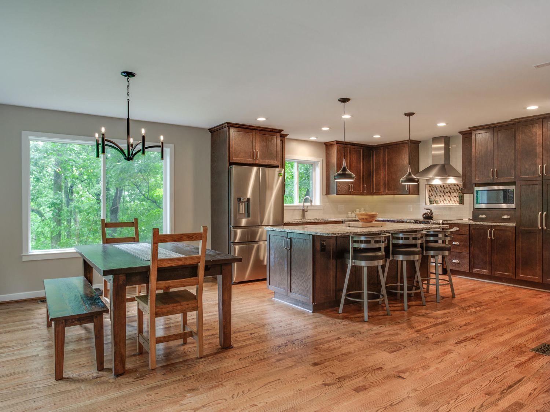 Leesburg kitchen island dining remodel